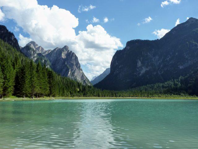 The walk to Lake Dobbiaco: 6 easy Km.